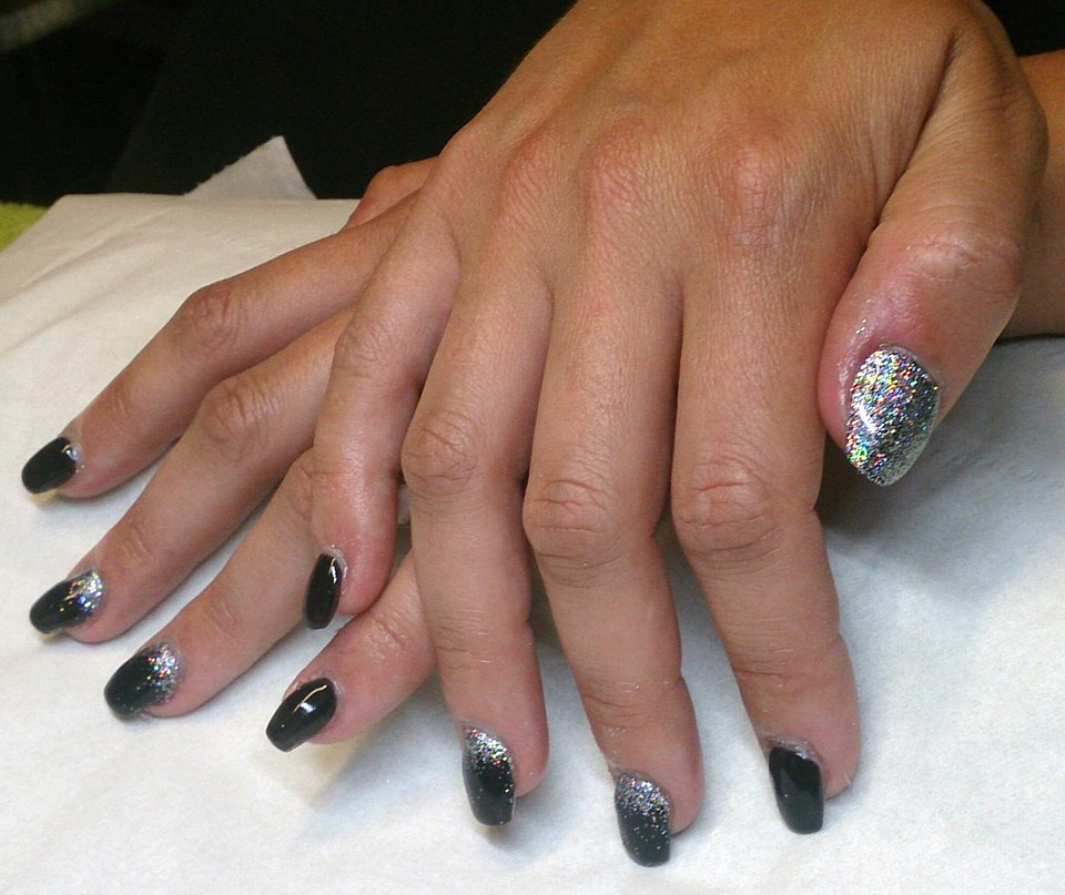 black-acrylics-with-silver-holographic-glitter