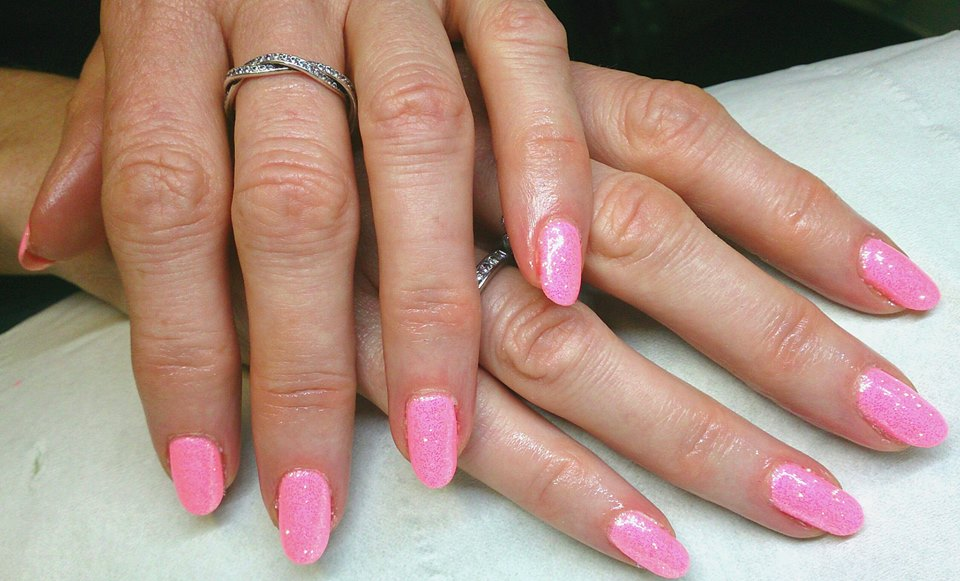 make-you-blink-pink-with-iridescent-glitter